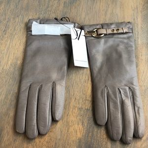 """🎉HP Diane vonFurstenberg taupe """"Sutra Gloves"""" NWT"""